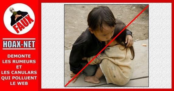 NON, ce ne sont pas des enfants victimes du séisme meurtrier au Népal.