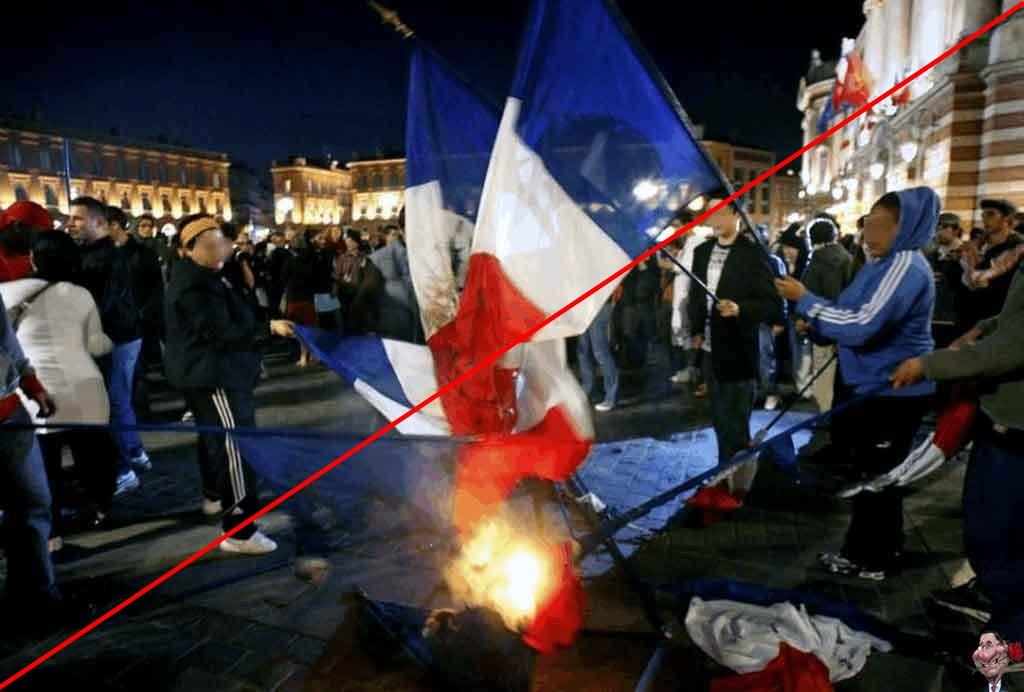 z-2016-drapeau-francais-brule-1