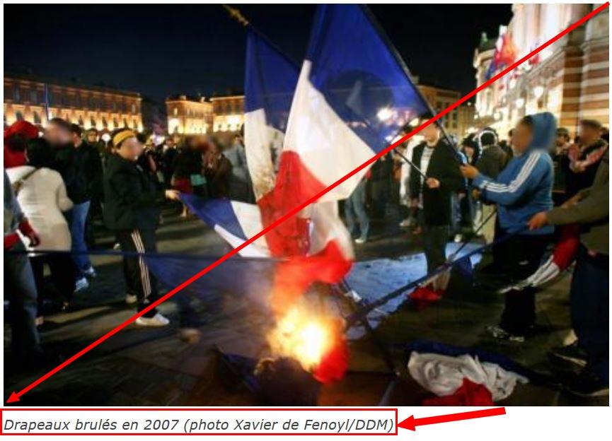 z-2016-drapeau-francais-brule-2